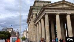 Berlin'in ünlü Brardenburg Kapısı