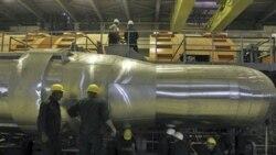 کارگران در نیروگاه اتمی بوشهر - ۲۶اکتبر ۲۰۱۰