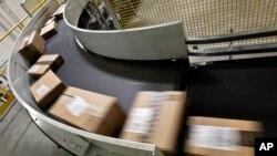 ارسال اجناس خریداری شده اینترنتی از آمازون