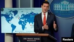 Penasihat Keamanan Dalam Negeri Tom Bossert memberikan keterangan kepada wartawan dalam konferensi Gedung Putih hari Selasa (19/12).