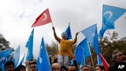 Turkiyada uyg'urlar himoyasi uchun o'tkazilgan namoyish, Istanbul, 6-noyabr, 2018-yil.