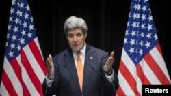 El secretario de Estado, John Kerry, habla sobre la recientemente concluida ronda de negociaciones con Irán, desde Londres.