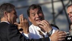 Analistas políticos consideran que la acusación contra su ex presidente del Banco Central puede dañar la carrera por la reelección del presidente Rafael Correa.
