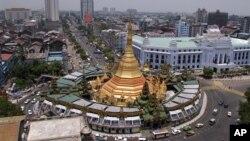 버마 양곤시 다운타운 정경.