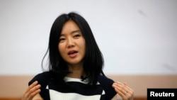 탈북민 이현서 씨가 지난 2013년 로이터와 인터뷰하는 모습
