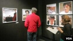 На выставке в Линкольн-центре. Photo: Oleg Sulkin