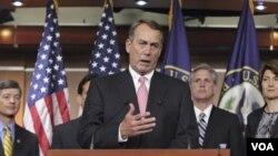 Ketua DPR AS, John Boehner saat memberikan keterangan pers di gedung Kongres AS (1/8).