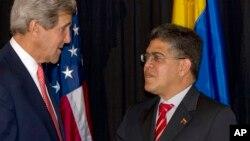 El secretario de Estado de Estados Unidos, John Kerry,se reunió con su par venezolano Elías Jaua.