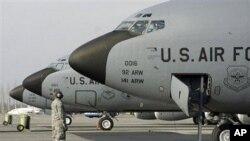 吉尔吉斯美军基地的军用飞机