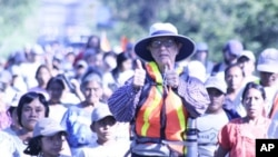 Bob Hentzen, 74, during his Walk2gether journey to raise awareness of poverty and develop solutions to eliminate it.