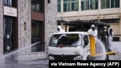 Quân đội Việt Nam tẩy trùng đường phố 7/3/2020