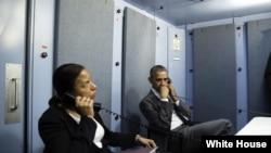 باراک اوباما، به همراه سوزان رایس، مشاور امنیت ملی، در کوبا تلفنی با مشاور امنیت داخلی درباره حملات بروکسل صحبت کرد.