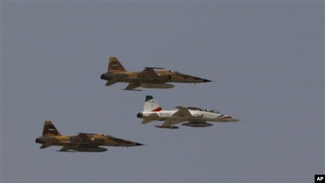 Iraninian jet fighters (file photo)