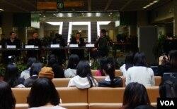 香港大學比較法與公法研究中心及城市大學學生會合辦政改論壇,討論後佔領時間的政治形勢及發展方向。(美國之音湯惠芸攝)