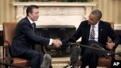 Prezident Obama va NATO Bosh kotibi Anders Fog Rasmussen Oq uyda, Vashington, 31-may, 2013-yil