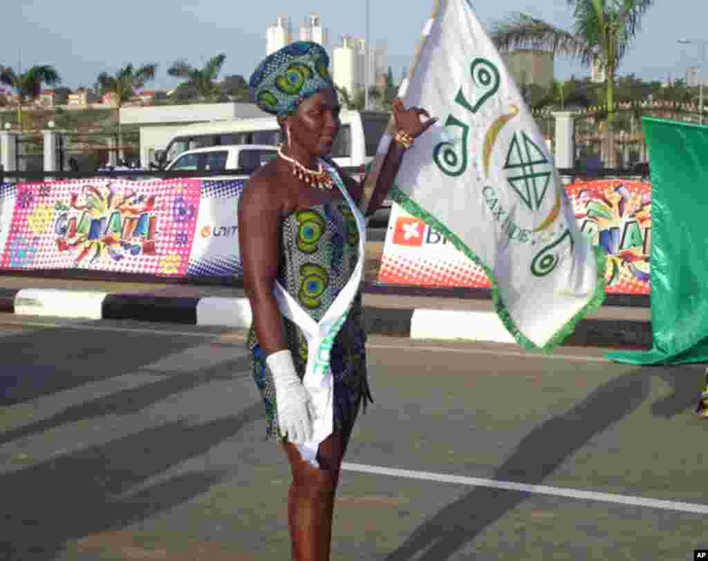 Desfile de Carnaval do Chá de Caxinde, em Luanda
