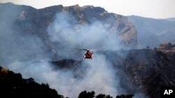 在美國加州發生的山林大火(資料圖片)