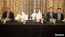 Russia's Energy Minister Alexander Novak, Qatar's Energy Minister Mohammad bin Saleh al-Sada, Saudi Arabia's Oil Minister Ali al-Naimi and Venezuela's Oil Minister Eulogio del Pino attend a joint news conference following their meeting in Doha, Qatar February 16, 2016. REUTERS/Naseem Zeitoon
