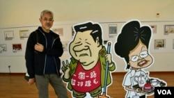 香港政治漫畫家尊子 (美國之音湯惠芸拍攝)