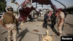 На месте террористического взрыва в Багдаде, Ирак.