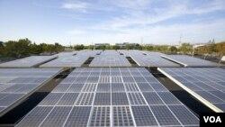 Serikat buruh AS menuduh Tiongkok menggunakan cara tidak adil untuk mendominasi industri energi hijau seperti industri tenaga surya.