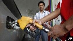 تاجکستان با مشکل تأمین نیاز داخلی به مواد سوخت روبرو است