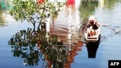 У Таїланді повені охопили деякі райони столиці, інші - уникнули затоплення