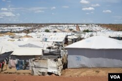 Rows of tents house nearly 30,000 Nuer citizens at a UN camp in Juba, South Sudan, on April 15, 2016. (VOA/J. Patinkin)
