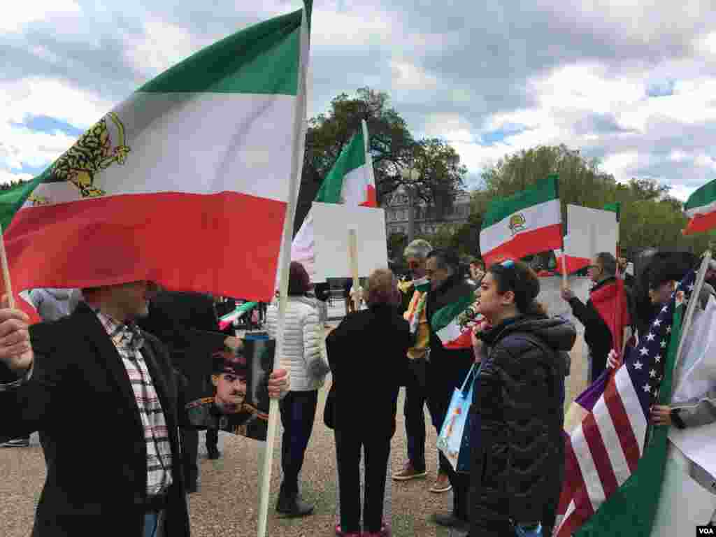 Protest next to the White House for concerns about Reza shah mummy, تجمع مقابل کاخ سفید با ابراز نگرانی برای مومیایی رضا شاه