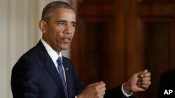바락 오바마 미국 대통령이 2일 워싱턴을 방문한 리셴룽 싱가포르 총리와 백악관에서 정상회담에 이어 공동 기자회견을 가졌다.