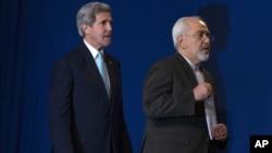 美國國務卿克里四月時在瑞士與伊朗官員核談判的資料照。
