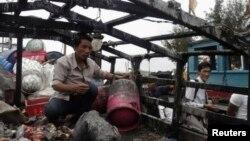 Tàu cá của thuyền trưởng Bùi Văn Phải, một ngư dân ở Lý Sơn, Quảng Ngãi, bị tàu tuần tra Trung Quốc truy đuổi và bắn cháy cabin cùng nhiều đồ đạc khi tàu đang đánh bắt cá trong vùng biển Hoàng Sa.