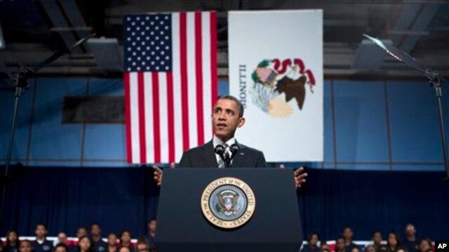 Tổng thống Barack Obama tại Học viện Hyde Park ở Chicago, ngày 15/2/2013.