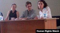 اسنودن روزجمعه درفرودگاه مسکو با فعالان حقوق بشر