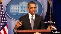 Presiden AS Barack Obama memberikan pernyataan khusus di Gedung Putih mengenai ledakan bom pada Marathon di Boston (16/4).