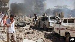 시리아 북부 쿠르드 마을인 카미실리에서 연쇄 폭탄 테러가 발생해 수십명이 숨졌다고, 시리아 관영통신이 보도했다.