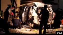 Ledakan bom rakitan di salah satu rumah warga di Poso, Sulawesi Tengah. (VOA/Y. Litha)