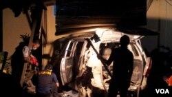 Polisi memeriksa lokasi tempat ledakan bom di sebuah rumah di Poso, Sulawesi Tengah, yang diduga dilakukan teroris. (Foto: Dok)