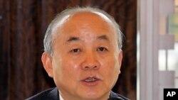 북한이 장거리 미사일을 발사할 경우 대북 조치를 언급한 류우익 한국 통일부 장관