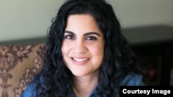 مصنفہ حنا خان