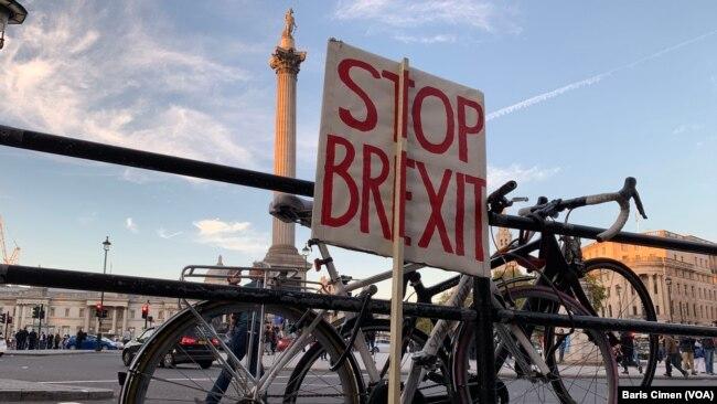 Londra'da Brexit Karşıtı 700 Bin Kişi Sokaklara Döküldü