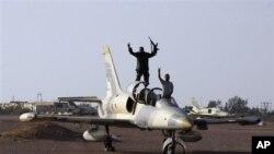 사브하 공군기지를 점령한 리비아군