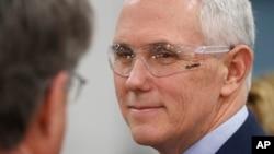 Phó Tổng thống Mike Pence đã được thông báo về vụ phóng thất bại của Bắc Hàn.
