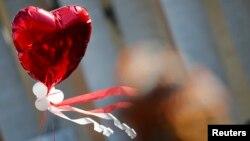 Las celebraciones por el Día de San Valentín se extienden a casi todas las naciones con tradiciones católicas, aunque otras culturas se han unido a la celebración.