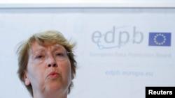 Andrea Jelinek, người đứng đầu Hội đồng Bảo vệ Dữ liệu Châu Âu (EDPB), tổ chức thực thi Quy định bảo vệ dữ liệu chung (GDPR) tại cuộc họp báo ở Bruxelles, ngày 25/5/2018. REUTERS/Yves Herman
