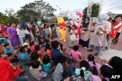 Anak-anak korban gempa dan tsunami di Kota Palu saat mengikuti program penyembuhan trauma di Kota Palu, 8 Oktober 2018.