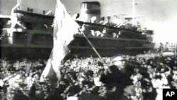 1960년 북송된 재일동포와 만경봉호.