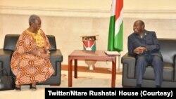 Umukuru w'igihugu c'Uburundi Evariste Ndayishimiye na Madamu Bintou Keita, aserukira umunyamabanga mukuru wa ONU ku mugabane wa Afrika