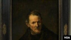 Lukisan Rembrandt' berjudul 'St. Bartholomew' ini pernah dicuri dari Museum Seni Worcester tahun 1972, tetapi berhasil ditemukan di sebuah kandang babi.