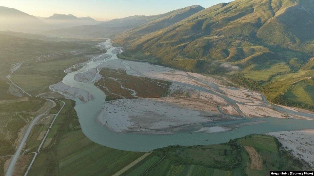 5 bashki kundër hidrocentraleve në Vjosë